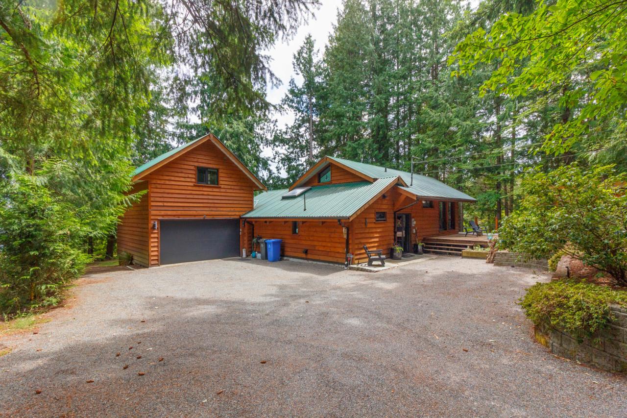 8335 Sa-Seenos Road, Youbou, British Columbia  V0R 3E1 - Photo 2 - 457285