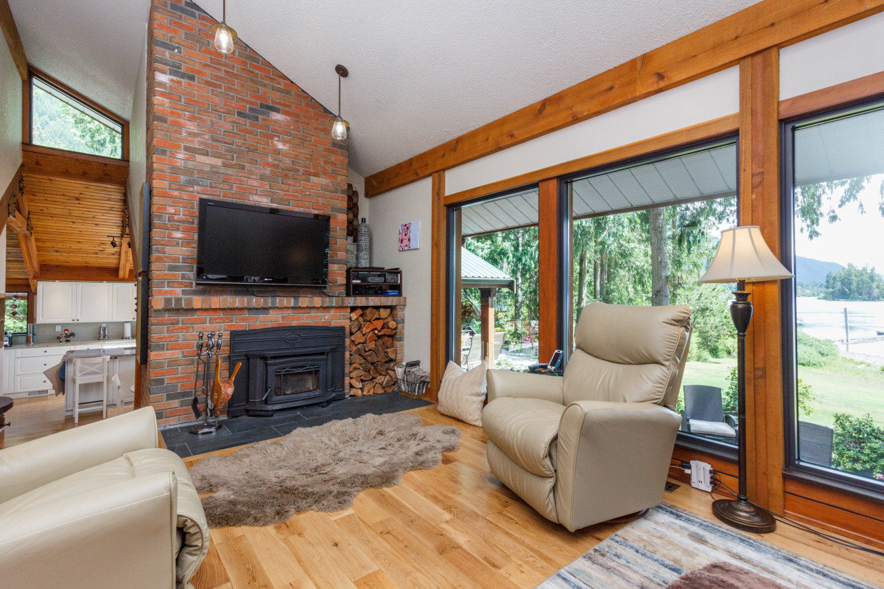 8335 Sa-Seenos RoadYoubou, British Columbia  V0R 3E1 - Photo 3 - 457285